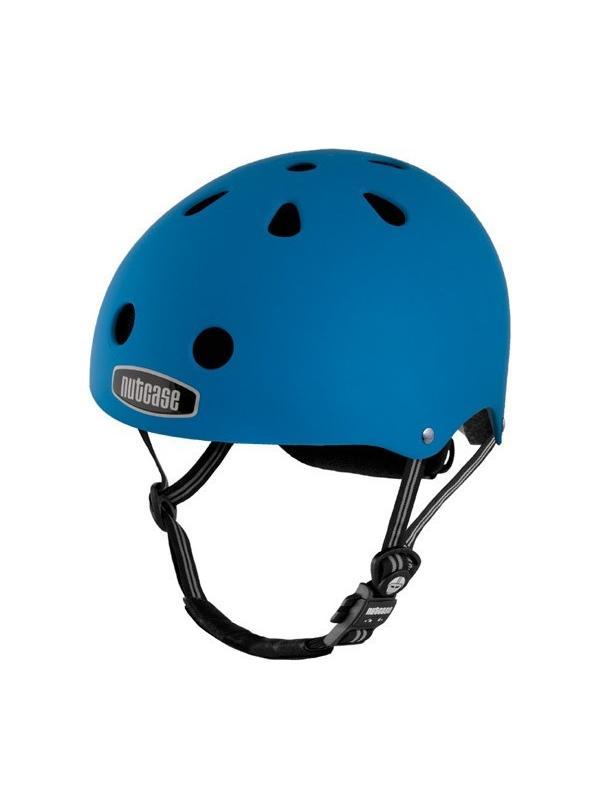 """Casco Nutcase Atlantic Blue - Seguridad y diseño no están reñidos. Nutcase, firma norteamericana nacida en 2005, se ha especializado en la fabricación de cascos multifuncionales con estampados llamativos y, por qué no, de aspecto cool. La línea está inspirada en los cascos urbanos de BMX y skate. Protección craneal, que trae por lema """"Love your brain""""."""